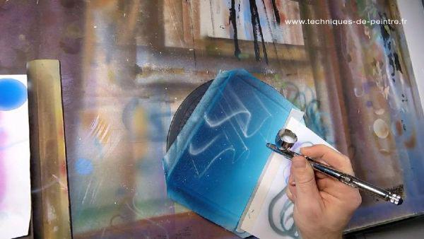 04-peinture-aerographe-main-levee-techniques-de-peintre